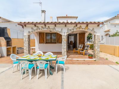 Photo for Veni: Holiday home 600m from the beach