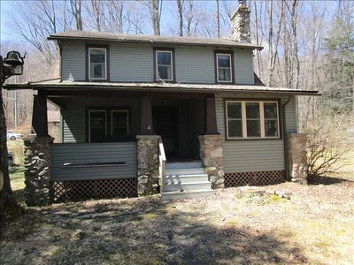 Photo for 7BR Cottage Vacation Rental in Laporte, Pennsylvania