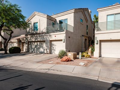 Photo for Elegant fully furnished 2B/2B/1G gated community Old town Scottdale