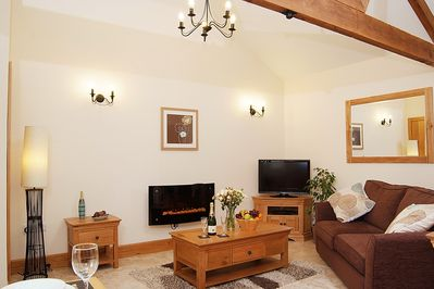 Mendips Welcoming Lounge with Vaulted Ceiling