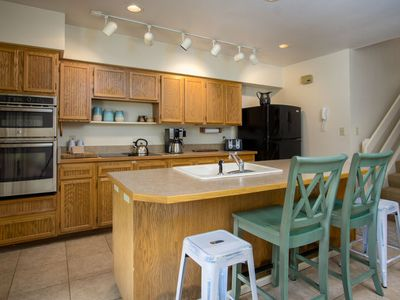 Photo for Walk to Slopes -Big Kitchen & Living Room- Hot Tub & Shuttle - Discount Lift Tix