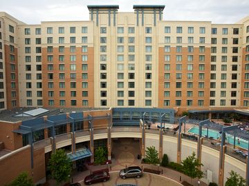 Spacious WaterFront District Resort with indoor/outdoor pools and a shuttle to the train for DC. - One Bedroom Deluxe