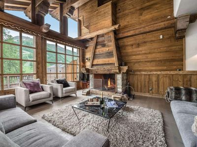 Photo for Chalet Petit Yéti : Beautiful living area and direct access to the slopes