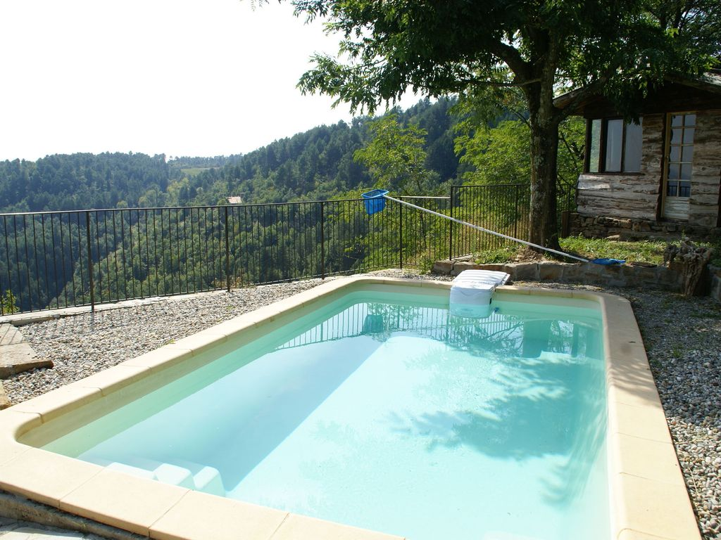 Beautiful house made of natural stone with swimming pool for Beautiful house with swimming pool