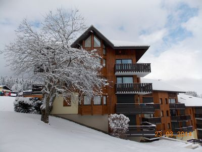 Photo for Ski-In/Ski-Out Apartment on Piste! Sleeps 8 in 3 Bedrooms.