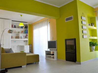 Photo for Modern, Bringt and Colorful Apartment!