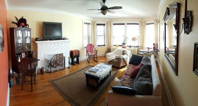 Photo for Charming Chicago Flat
