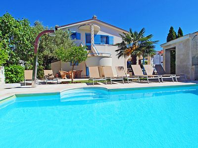 Photo for Apartment Villa Pina in Vodice - 5 persons, 2 bedrooms