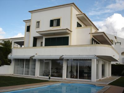 Photo for Alvor-Sunset Villa, quiet w / private pool, magnificent views of the sea, by sun