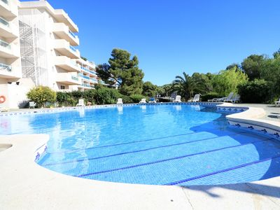 Photo for Air-conditioned apartment,swimming pool,parking and 7 minutes walk from Cala Fon