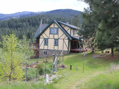 Photo for Gorgeous 3500 Sq Foot Mountain Retreat With Stunning Panoramic Views