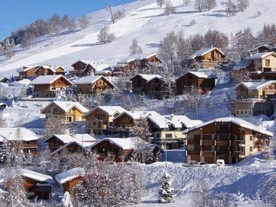 Photo for LES 2 ALPES : 4-room chalet 6/8 p ski in/out access