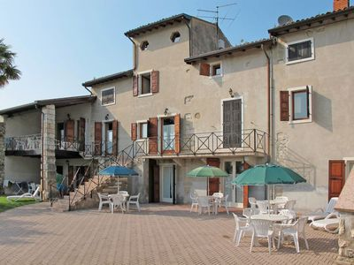 Photo for One bedroom Apartment, sleeps 4 in Garda with WiFi