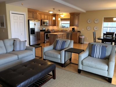 Photo for aqua *FALL $275/NT* Marina Views Pools Walk to all Beach 1.5 blk Rooftopdeck