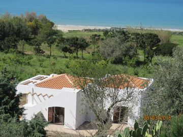 Search 989 holiday rentals