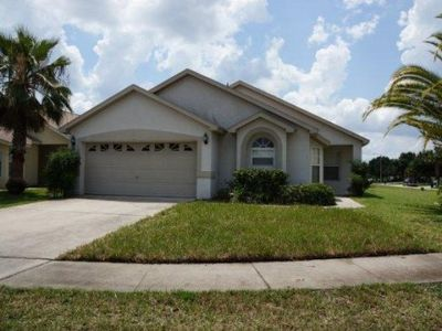 Photo for Deluxe 4 bed, 3 bath pool home at Indian Creek near Disney, Orlando