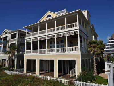 Photo for LUXURY HOME!! EAST ISLAND VILLA  - SPRING SPECIALS!