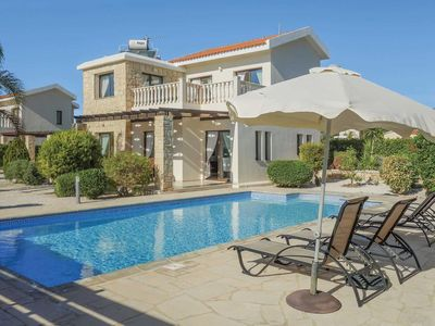 Photo for 3 bed charming villa with private pool, BBQ, free Wi-Fi and free A/C
