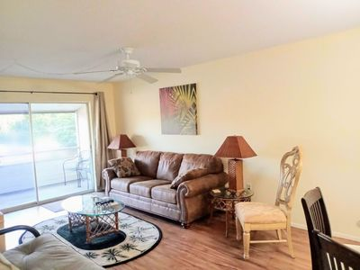 Photo for Near Siesta Key. 2 Bedroom Condo with King beds and Large Screened Lanai Patio
