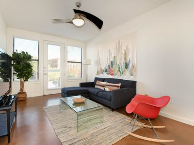 Photo for Centrally Located Apartment on Lady Bird Lake
