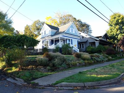 Photo for Great Location: 4 BR at 801Cascade Downtown Hood River