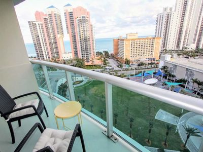Photo for Perfect 1 BR on Sunny Isles - One Bedroom Apartment, Sleeps 4