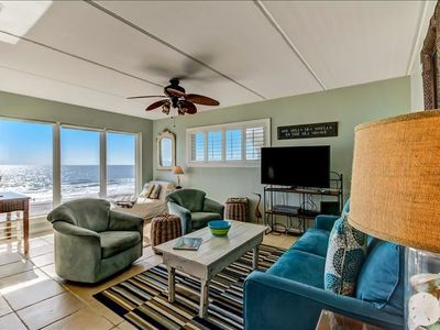 Photo for Beautiful kitchen, oceanfront with breathtaking views, steps to the beach!