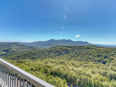 Photo for Beautiful furnished mountaintop condo w/shared pools, hot tub, & a sauna!