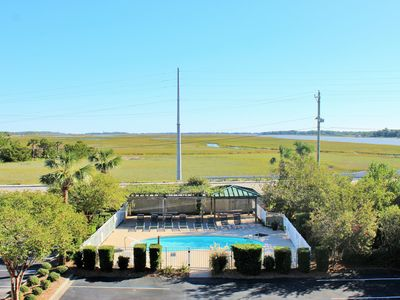 Marshwinds 1G ~ 3BR/3BA with a POOL and Marsh Views!!