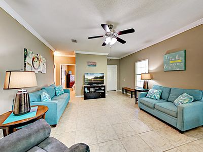 Photo for Spacious Condo w/ Pool & Screened Porch, Near Beaches, Tanger Outlets & Wharf