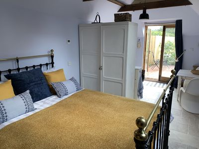 Photo for Charming Bluebells Cottage in Kent