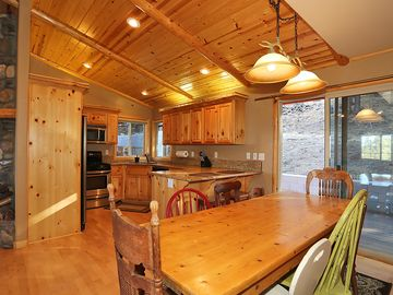 Photo for Family-friendly home w/ 10 SHARC passes & private hot tub - near Mt. Bachelor!