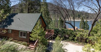 Photo for Lakeview Cabin Near Pines Resort & Village at Bass Lake