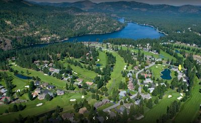 Photo for On Signature Par 3 - 15th Hole, Golf Cart Incl, 12 min to Silverwood Theme Park