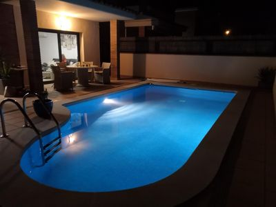 Photo for Villa with pool in Empuria Brava near the canals