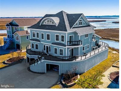 Photo for Luxury Waterfront House in North Bethany
