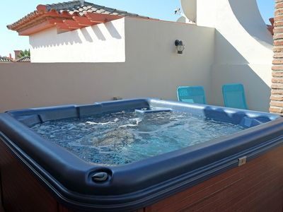 estepona house rental big jacuzzi and sun beds on the sun roof watch the