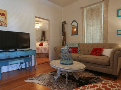 Photo for Adorable 3br/3ba Private Cottage walk to Main Street Shopping with hot tub!