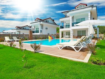 Photo for New Four Season villa with private pool