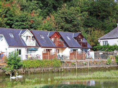 Photo for Waterside property, 2 miles from Padstow. Sleeps 4