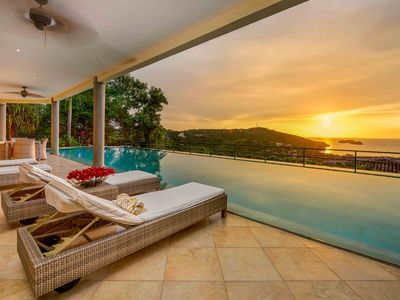 Photo for 2 FREE massages - 60ft pool  *Luxury* Life at the Top!