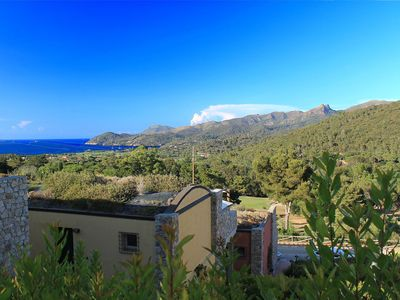Photo for Cosy apartment with WIFI, pool, TV, balcony, washing machine, pets allowed and parking