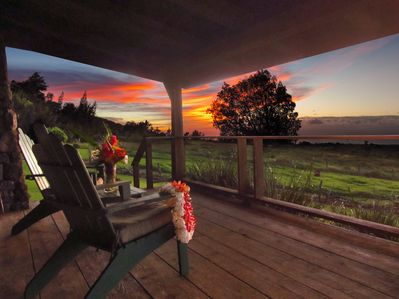 Aloha - Kohala Lodge sleeps 6 / 2 baths. Great location for couples or families.