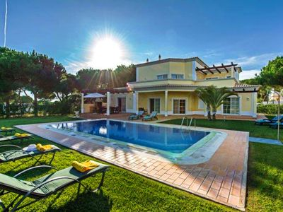 Photo for 4 Bedroom villa in Villa Sol. Sleeps 8. Private Pool and Golf Views L608