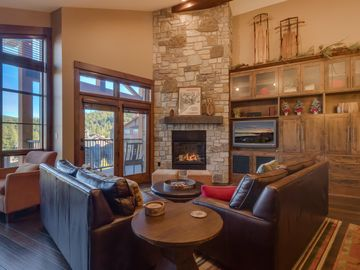 Sierra Range Luxury Condo at Northstar Lodge | Ski-In Ski-Out | Resort Amenities | Sierra Range View