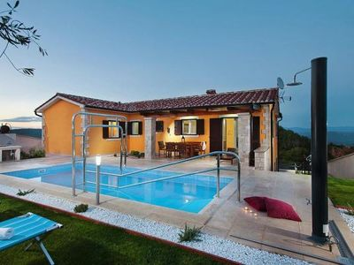 Photo for Villa, Vizinada  in Landesinnere Istrien - 8 persons, 3 bedrooms