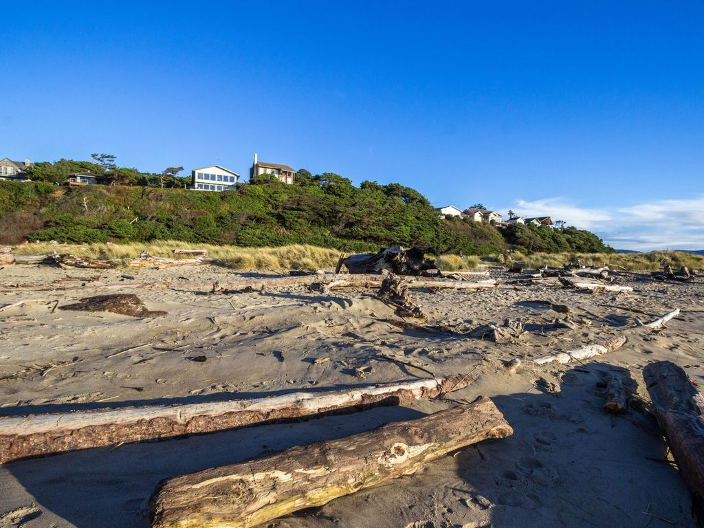 Lincoln City Or Rentals Dog Friendly