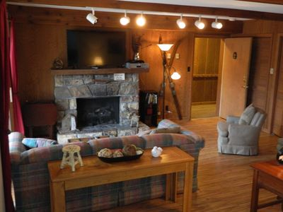 Photo for Cozy 3 Bedroom, Walking Distance to the Slopes of Sugar Mountain
