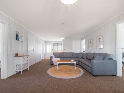 Bridport Holiday Beach House - 6 bedroom 2 bathroom OCEAN VIEWS!