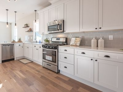 Photo for Lux Modern Farmhouse Retreat in the 💝of St. Paul